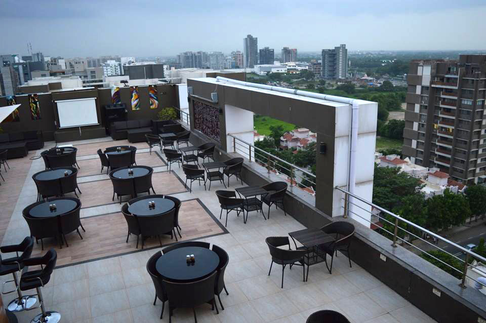 SPHERE LOUNGE - ROOFTOP CAFE'